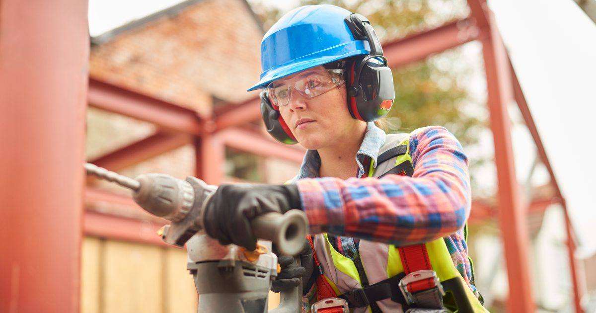 Women in Construction: Finding the Right Personal Protective Equipment